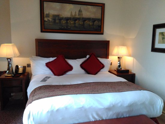 royal horseguards hotel restaurant review